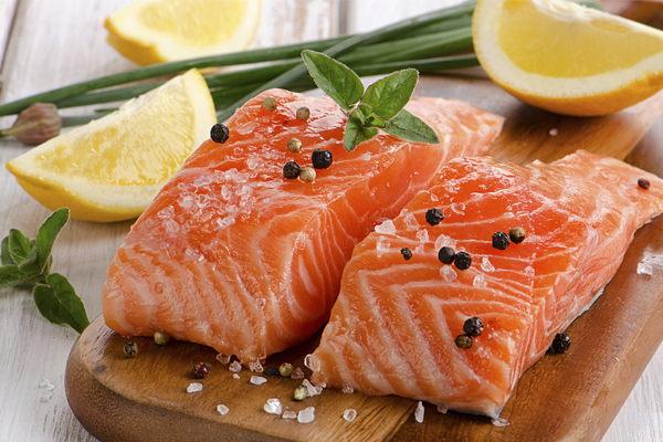 Mejores pescados para consumir por los atletas