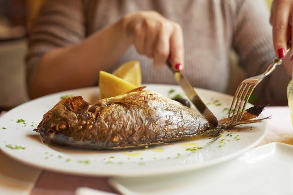 ¿Cuántas veces debo comer pescado a la semana?